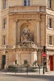 Fontaine à Paris Photo libre de droits