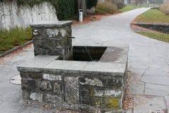 Fontaine érotique de conception en parc image stock