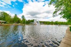 """Fontaine """"oreille d'or """"— une des trois fontaines principales de VDNH photographie stock libre de droits"""