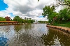 """Fontaine """"oreille d'or """"— une des trois fontaines principales de VDNH photos stock"""
