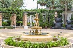 Fontaine avec de petits anges Photos libres de droits
