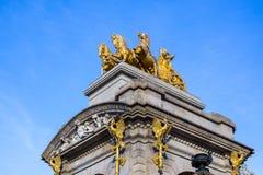 Fontaine Cascada monumental en parc dans la ville de Barcelone Photo libre de droits