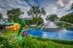 Fontaine chez Franklin Square, à Philadelphie, la Pennsylvanie image stock