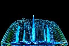 Fontaine colorée de danse Photographie stock libre de droits