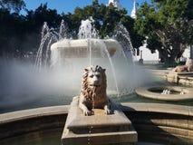 Fontaine d'eau avec le lion dans la plaza dans le maquereau, Puerto Rico photo stock