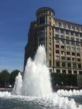 Fontaine d'eau Canary Wharf image libre de droits