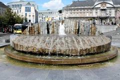 Fontaine d'eau dans St Lambert Square Photographie stock libre de droits