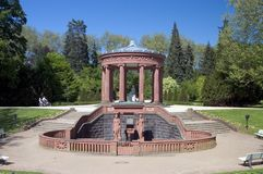Fontaine d'eau de Kurpark Images libres de droits
