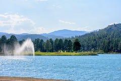 Fontaine d'eau en parc de Ruidoso Photo stock