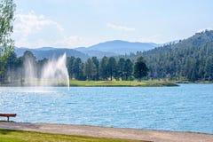 Fontaine d'eau en parc de Ruidoso Photos stock