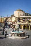 Fontaine d'eau en Rhodes Old Town, Grèce Photos libres de droits