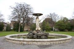 Fontaine dans des jardins d'Iveagh, Dublin Images libres de droits