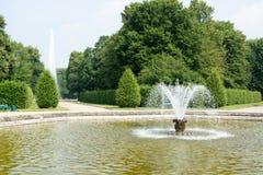 Fontaine dans des jardins de Herrenhausen, Hanovre, basse-saxe, allemande Image libre de droits