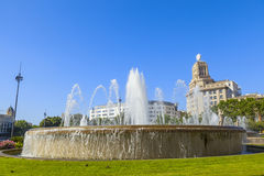 Fontaine dans la place de la Catalogne Images stock