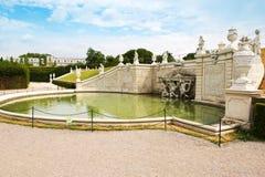 Fontaine dans le palais de belvédère photographie stock libre de droits