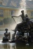 Fontaine dans le Schoenbrunn Photos libres de droits
