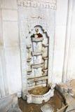 Fontaine de marbre de Bakhchisaray dans le palais de Khan Image libre de droits