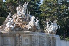 Fontaine de Neptune au palais de Schonbrunn, Vienne, Autriche Image stock