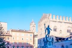 Fontaine de Neptune dans Piazza Maggiore à Bologna, Italie images libres de droits