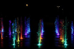 Fontaine de nuit Images stock