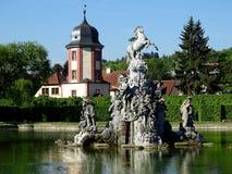 Fontaine de Pegasus avec la maison de l'eau image stock