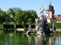 Fontaine de Pegasus avec la maison de l'eau photos libres de droits
