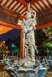 Fontaine de purification au temple de Sensoji à Tokyo images libres de droits
