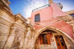 9 9 2016 - Fontaine de Rimondi dans Rethymno, Crète Images stock