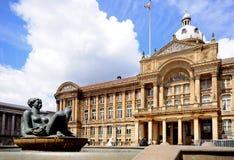 Fontaine de rivière et logements sociaux, Birmingham images stock