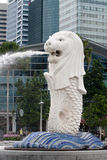 Fontaine de statue de Merlion à Singapour Photos libres de droits