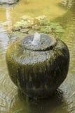 Fontaine de terre de pot Photo libre de droits