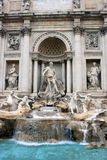 Fontaine de TREVI avec le groupe de statue à Rome Photo libre de droits