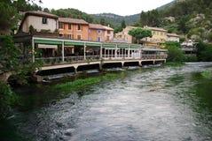 Fontaine De Vaucluse, France Photo stock