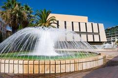 Fontaine de ville en France agréable Images libres de droits