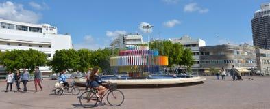 Fontaine du feu et d'eau à Tel Aviv - en Israël Photographie stock libre de droits