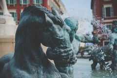 Fontaine du Soleil Fountain del Sun - Niza, Francia fotos de archivo