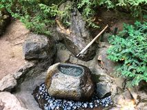Fontaine en bambou photographie stock