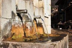 fontaine en bronze photos stock