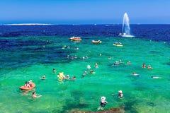 Fontaine en mer, Bugibba Photos stock