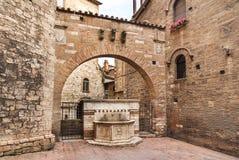 Fontaine en pierre antique à Pérouse, Italie Image libre de droits