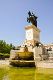 Fontaine et statue de Madrid Photographie stock libre de droits