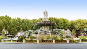 Fontaine à la La Rotonde à Aix-en-Provence, France Photos stock