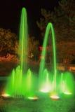 Fontaine la nuit dans Baska, Croatie Photographie stock libre de droits