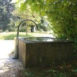 Fontaine na słonecznym dniu Fotografia Stock