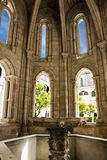 Fontaine no monastério de Alcobaca é Roman Catholic Mona medieval imagens de stock