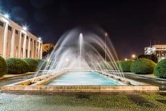 Fontaine scénique, architecture néoclassique dans le secteur d'EUR, photos stock