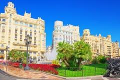 Fontaine sur la plaza de modernisme de la ville hôtel de Valence, ville h images stock