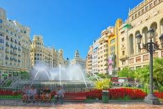 Fontaine sur la plaza de modernisme de la ville hôtel de Valence, ville h photos stock