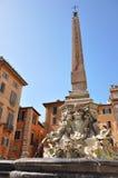 Fontaine sur le della Rotonda de Piazza à Rome Image stock