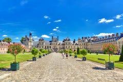 FONTAINEBLEAU, FRANÇA - 9 DE JULHO DE 2016: Residência suburbana do th Imagens de Stock Royalty Free